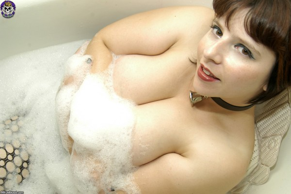 arwen love sudsy bubblebath larry bradby blue blood