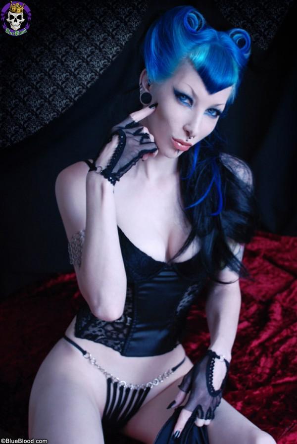razor candi blue vampire vamp