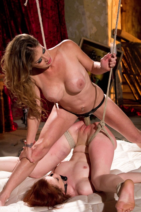 Justine Joli strap on lesbian submission