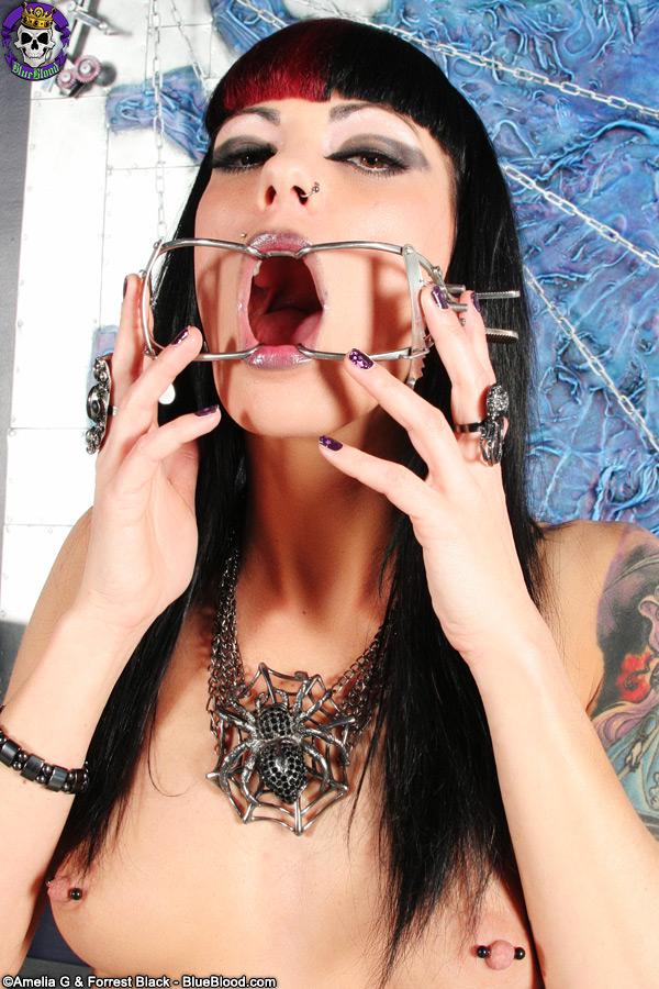 ms poisoness slasher scream queen
