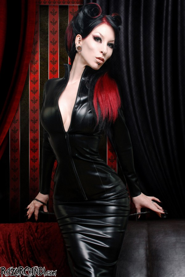 razorcandi latex rubber mistress