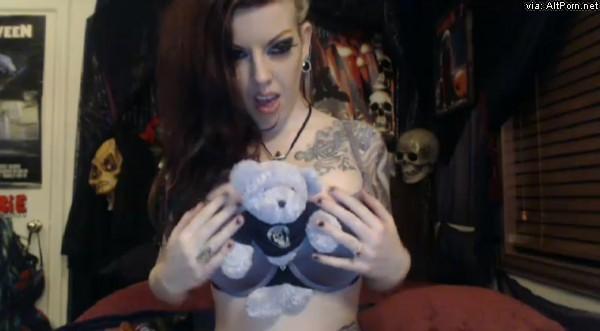 Penny_poison blueblood bear