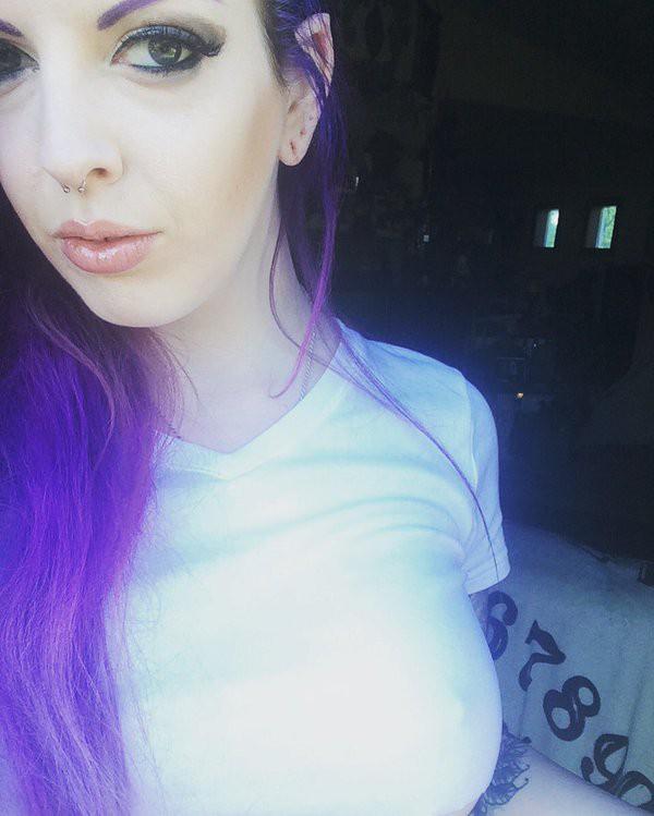 penny-poison-selfie-cam