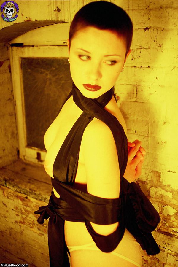 dasha black straps basement bondage