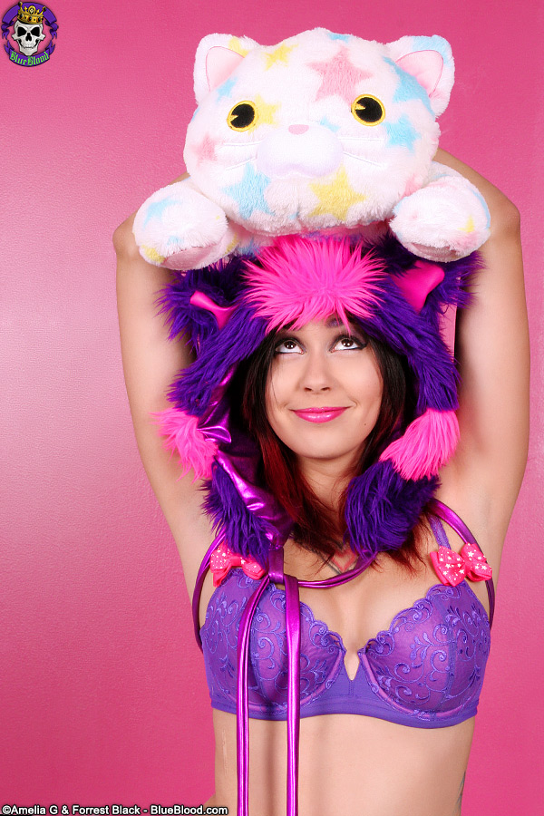 scarlet starr cheshire cat