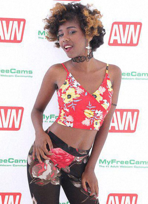 AVN Awards Hottest Newcomer Nominee Daizy Cooper