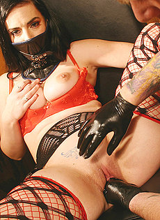 Kinky Gothic couple into sexual domination